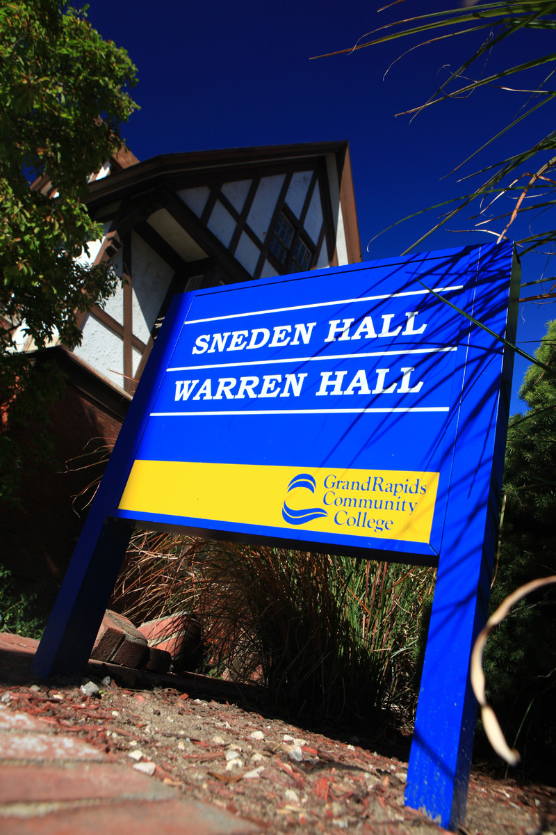 DeVos Campus sign for Sneden Hall and Warren Hall
